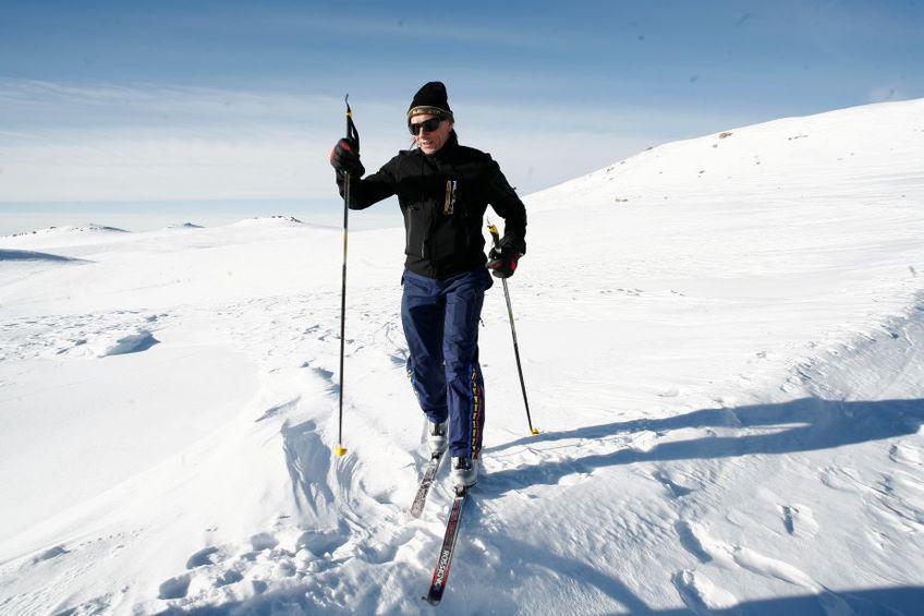 Ivan Patzaichin pe schiuri la Piatra Arsă, în ianuarie 2008 Foto Cristi Preda
