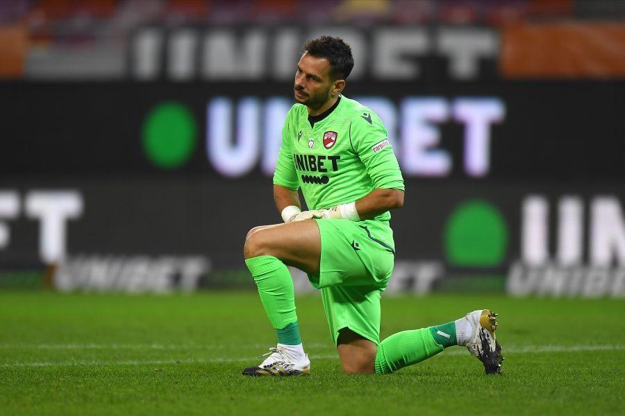 Rene Hinojo a rupt deja unilateral contractul cu Dinamo, folosindu-se de faptul că nu fusese plătit mai mult de 60 de zile