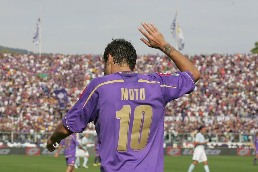 Cinci sezoane în tricoul viola (2006-2011), Mutu a fost golgeterul Fiorentinei în Coppa Italia 2009-2010, cu 4 reușite FOTO Gulliver/ Gettyimages