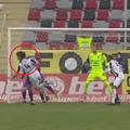 În minutul 47 al meciului dintre Astra și FC Argeș, la scorul de 0-0, giugiuvenii ar fi trebuit să beneficieze de un penalty @Captură TV Telekom Sport