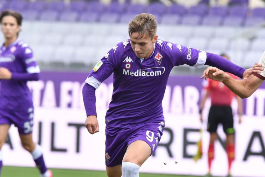 """Louis Munteanu (18 ani, atacant) a reușit o """"dublă"""" pentru Fiorentina în confruntarea câștigată de trupa viola cu AC Milan, 3-1, în campionatul Primavera."""