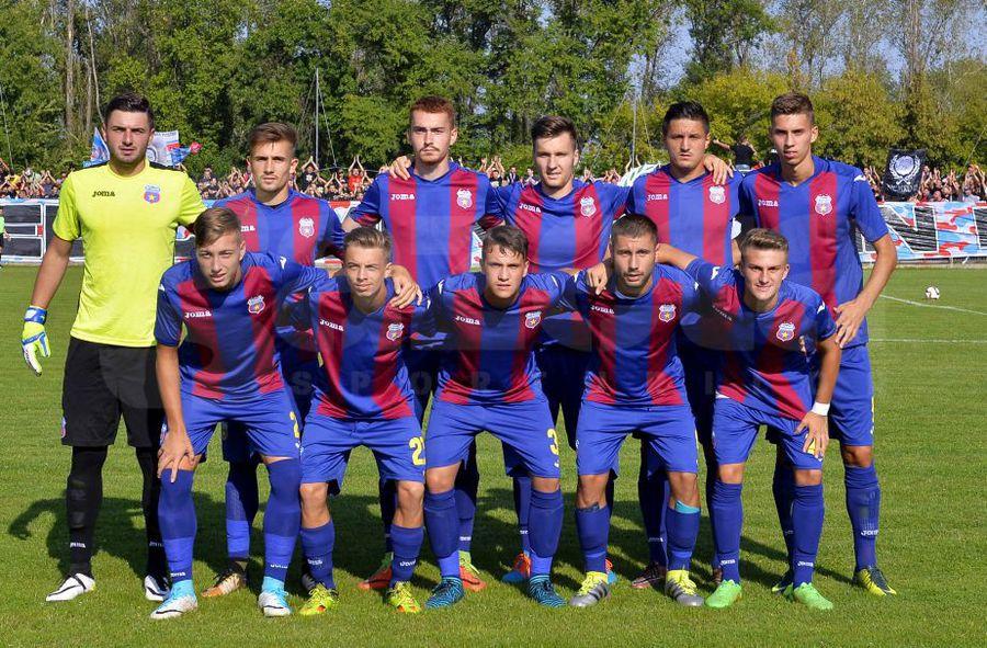 Echipamentul celor de la CSA Steaua folosit în sezoanele 2017/18 și 2018/19