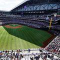 Decizie controversată în SUA: aproape 40.000 de oameni au asistat la un meci din Texas!