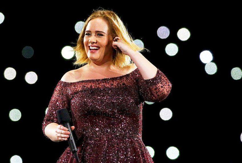 Adele arată de nerecunoscut după ce a slăbit 50 de kg. Cum arată la 32 de ani