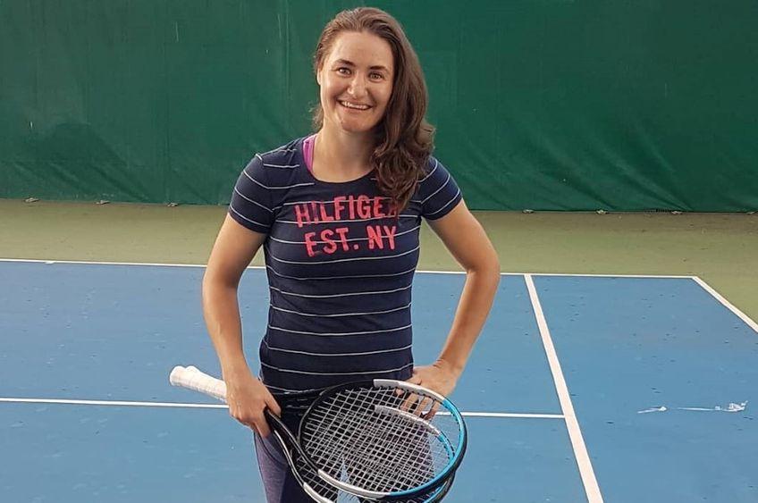 Monica Niculescu pe terenul de tenis