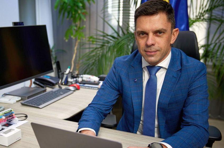 Ministrul Eduard Novak i-a răspuns lui Țiriac / Sursă foto: Facebook