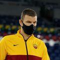Edin Dzeko (34 de ani) are coronavirus. Atacantul bosniac a fost rezervă în meciul de joi, câștigat de AS Roma cu 5-0 împotriva celor de la CFR Cluj.
