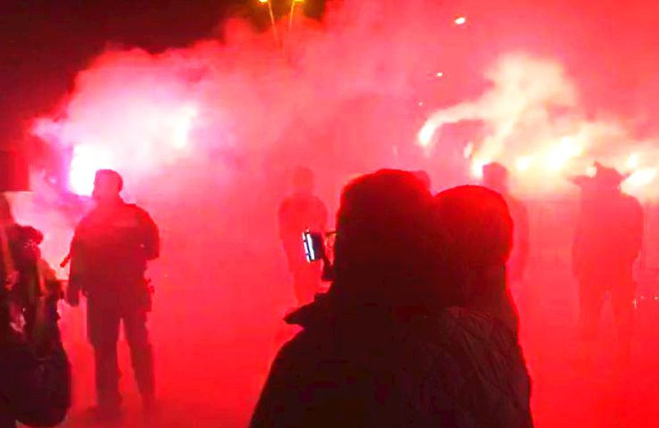 Petrolul a câștigat derby-ul cu Rapid, scor 2-0. Elevii lui Viorel Moldovan s-au împăcat cu fanii.