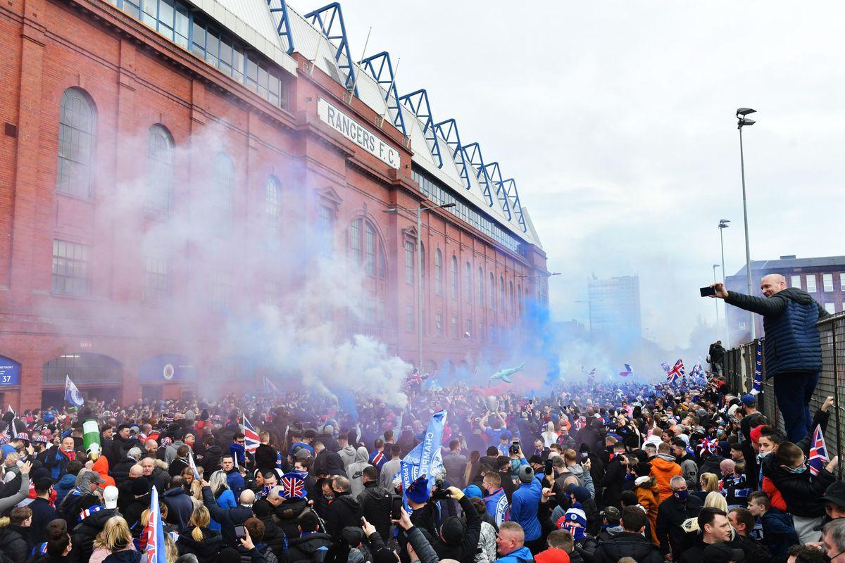 Suporterii Glasgow Rangers sărbătoresc titlul