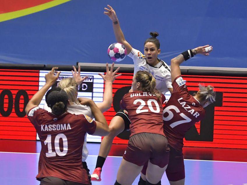 Fraga Fernandez și pivotul Maren Aardahl în luptă cu trei giuleștence, Kassoma, Boljevici și Ștefania Lazăr FOTO sportpictures.eu
