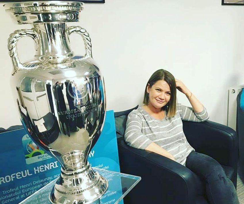 Ioana Cosma și trofeul EURO