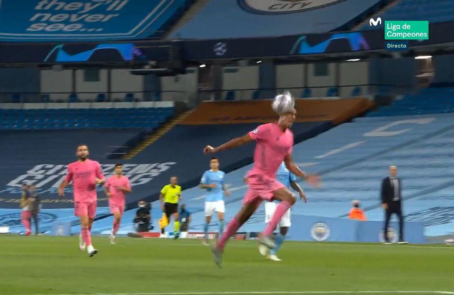 Raphael Varane (27 de ani) a comis două gafe imense în duelul Manchester City - Real Madrid.