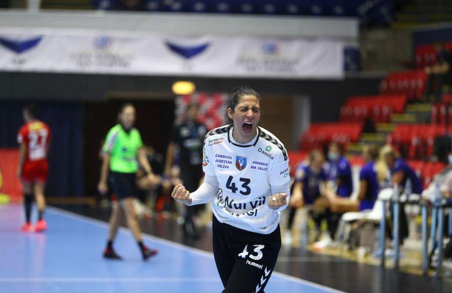 Cea mai bună jucătoare a finalei Cupei României, SCM Rm. Vâlcea - CSM București, scor 22-19, muntenegreanca Marta Batinovici e mândră că e căpitanul unei echipe care joacă, înainte de toate, cu inima.