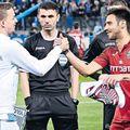 Nicușor Bancu și Mario Camora se luptă pentru un loc de titular în Islanda - România