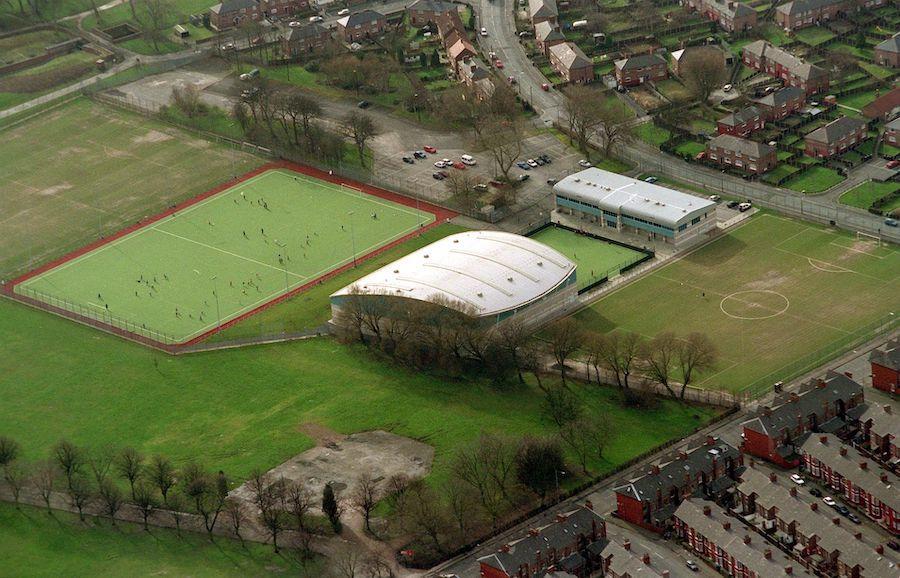 Platt Lane, fosta bază a primei echipe și baza academiei lui City în momentul probelor lui Man. Între timp, academia a fost mutată