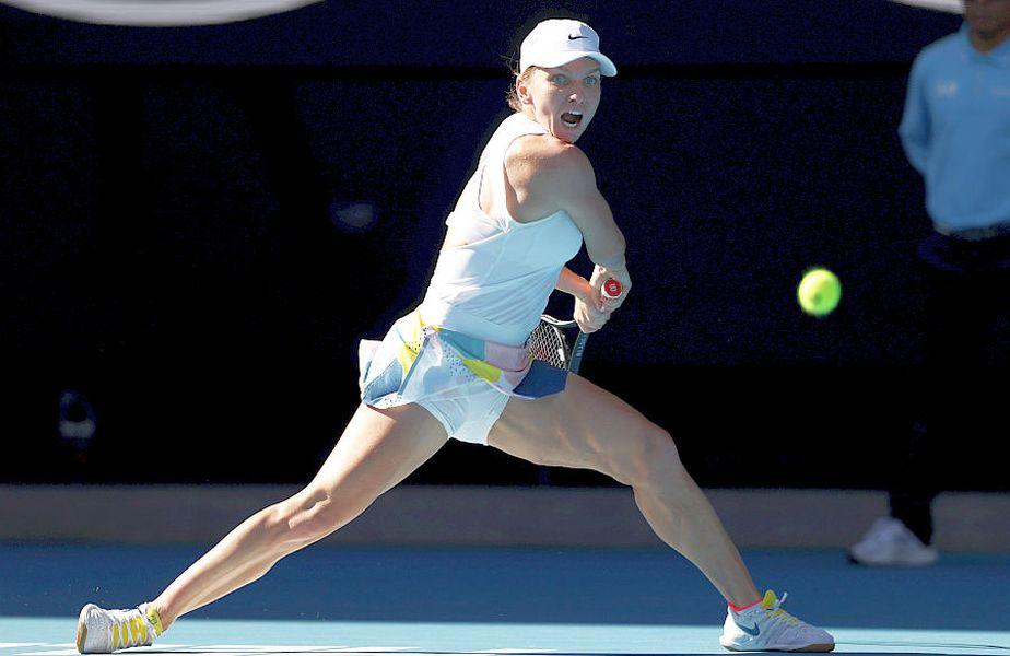 Simona Halep în acțiune la Australian Open 2020, atunci când a ajuns până în semifinale // FOTO: Guliver/GettyImages