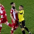 În minutul 60 al meciului FC Voluntari - Dinamo, la scorul de 1-1, Antoni Ivanov (25 de ani), mijlocașul central al ilfovenilor, a fost eliminat.