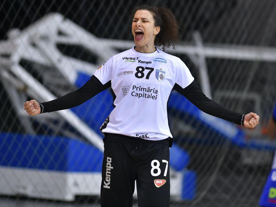 Jelena Grubisici joacă de 6 ani la București, dar va pleca în vară