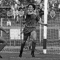 """Pe 8 mai 1988, Dinamo întâlnea pe teren propriu ultima clasată, CSM Suceava, pe care o """"asfalta"""" cu un uluitor 9-1. A doua cea mai categorică victorie a """"câinilor"""" în primul eșalon, după un 10-1 cu Brașovul în 1965."""