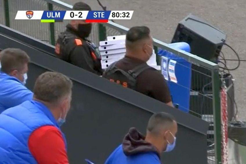 Cutiile de pizza au fost livrate în vestiarul celor de la Steaua / Captură Look Sport