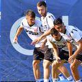 Dinamo a început în această dimineață ciclul de antrenamente pentru a pregăti reluarea campionatului după trei luni de suspendare din cauza pandemiei de COVID-19.