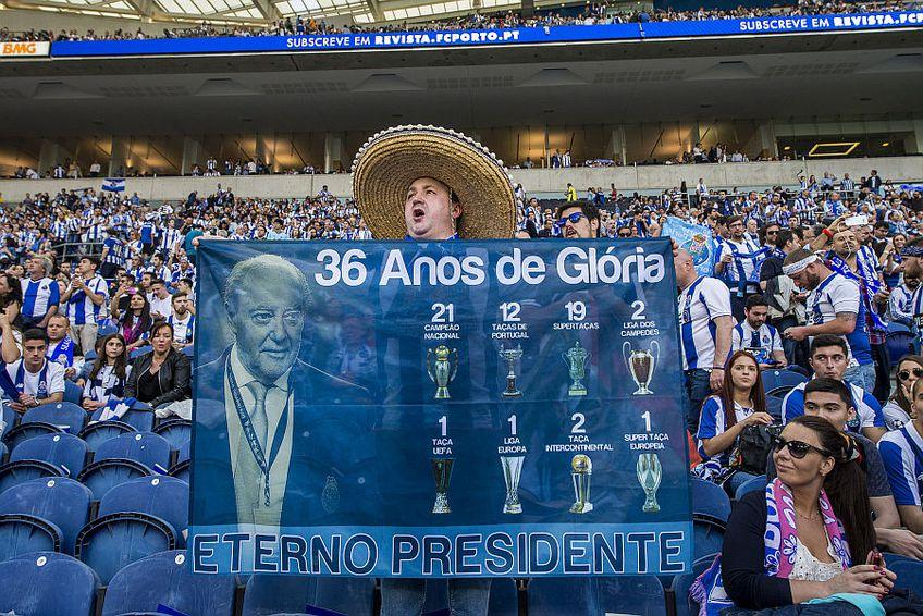 Fanii lui Porto îl iubesc pe Pinto da Costa // FOTO: Guliver/GettyImages