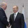 """Aleksandr Lukașenko, președintele Belarusului din 1994, spune că """"am jucat fotbal până m-am accidentat la genunchi"""". Foto: Guliver/GettyImages"""