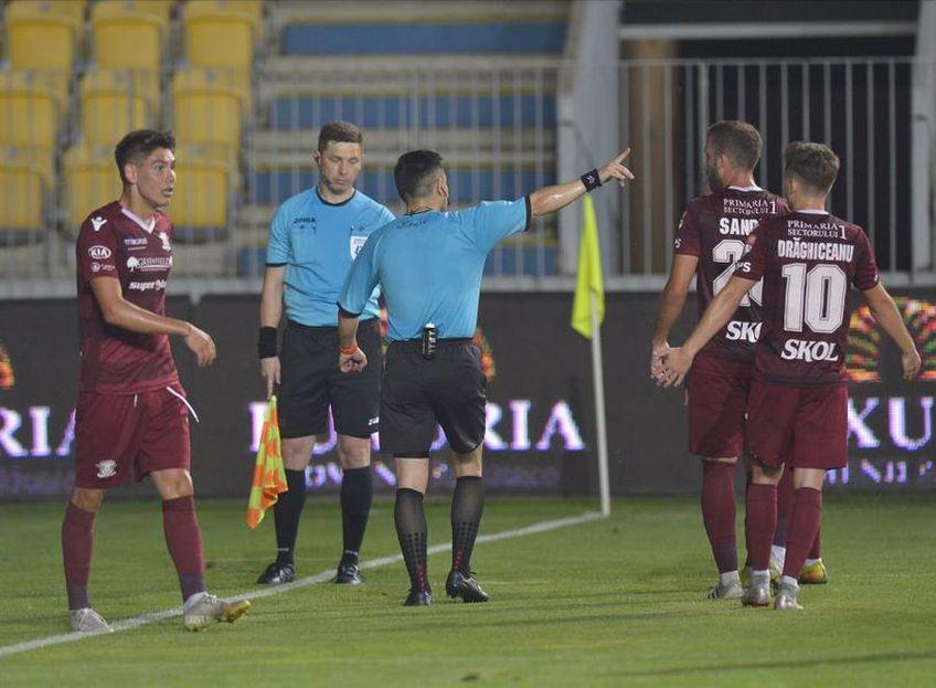 """Jucătorii Rapidului, luați în colimator de Marius Șumudică : """"La banii ăștia trebuia să iei mingea în gură și să te duci cu ea în poartă"""""""