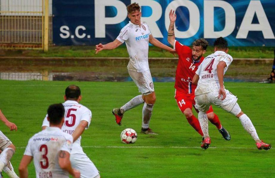 Alessio Carlone (roșu), la FC Botoșani // foto: Instagram @ alessiocarlone