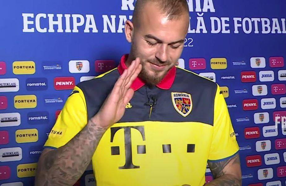 """Denis Alibec, în momentul apelului video cu suporterul """"naționalei"""" // foto: captură FRF TV"""