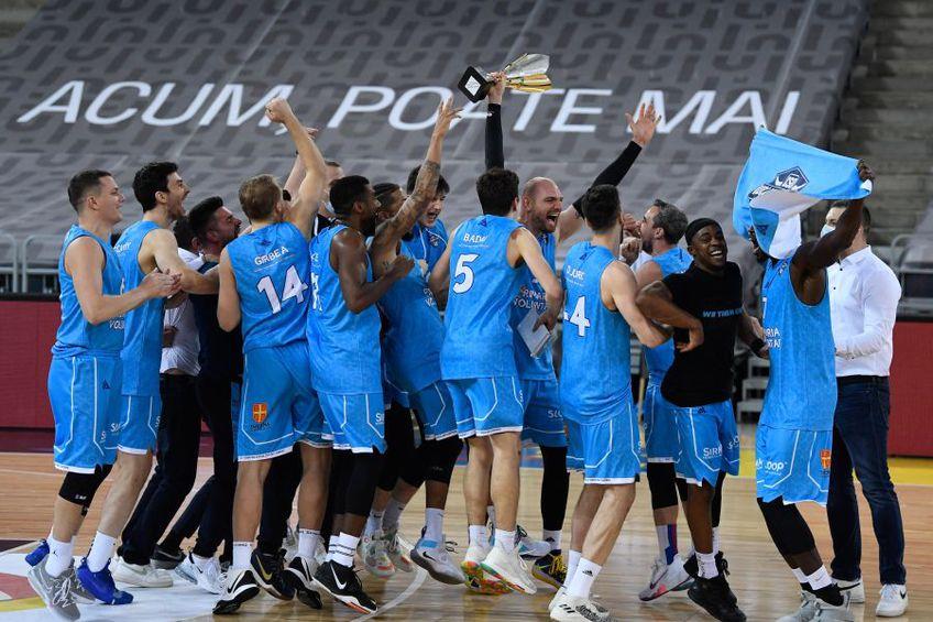 Bucuria baschetbaliștilor de la Voluntari FOTO sportpictures.eu