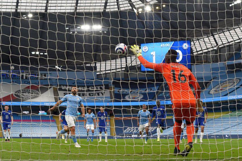 Penalty-ul ratat de Aguero în meciul cu Chelsea, scor 1-2 // Foto: Getty Images