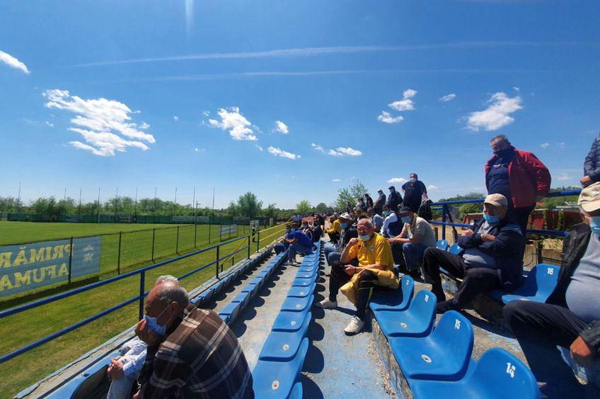 Fanii au fost prezenți în tribunele de la Afumați. FOTO: Vlad Nedelea