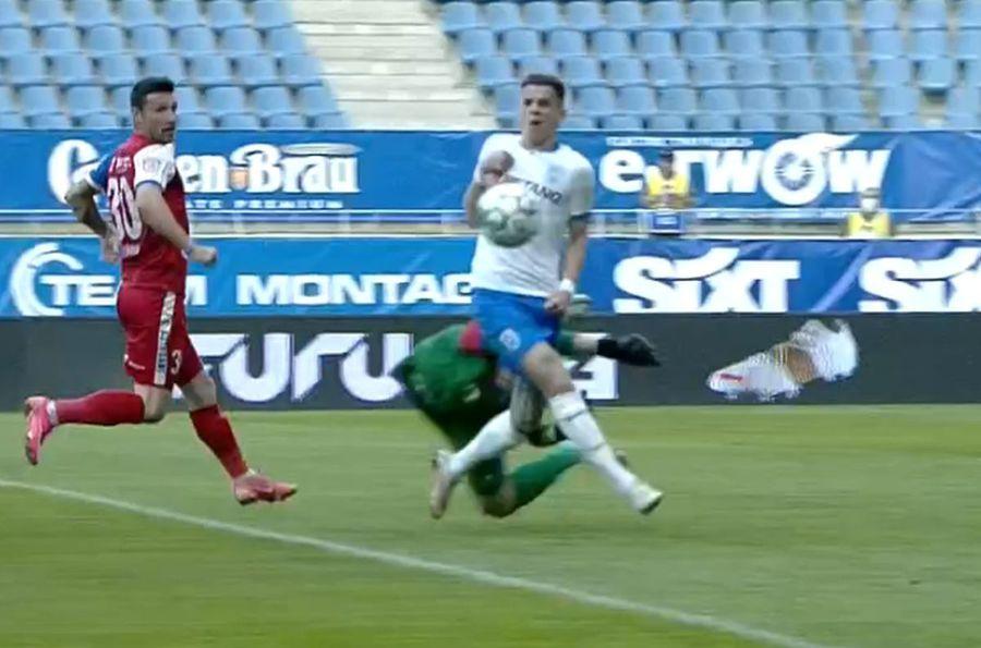 Două faze controversate în Universitatea Craiova - FC Botoșani » Oltenii, dezavantajați de arbitraj