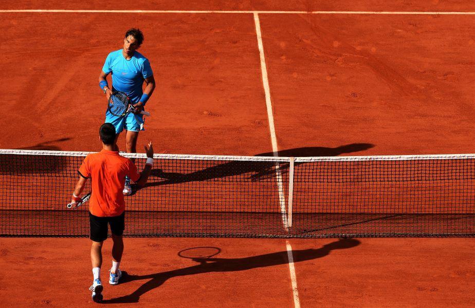 Novak Djokovic și Rafael Nadal la finalul meciului de la Roland Garros 2015 Foto Guliver/GettyImages