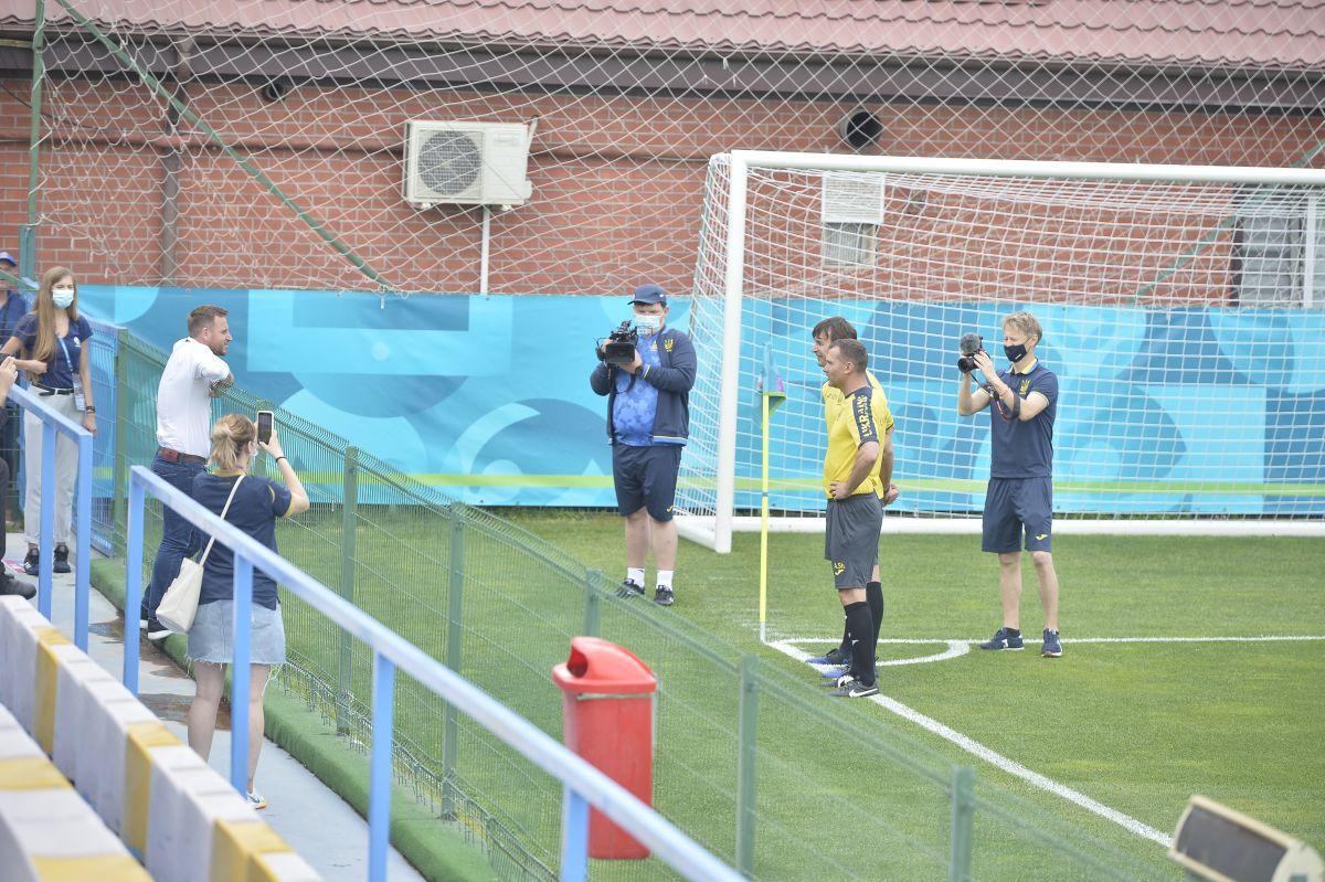 """Oaspete-surpriză la antrenamentul lui Shevchenko, la Voluntari: """"Îi ajut cât pot pe ucraineni"""""""