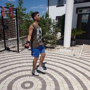 Ronaldo Deaconu nu stă prea mult departe de sala de forță și de minge nici în vacanță.