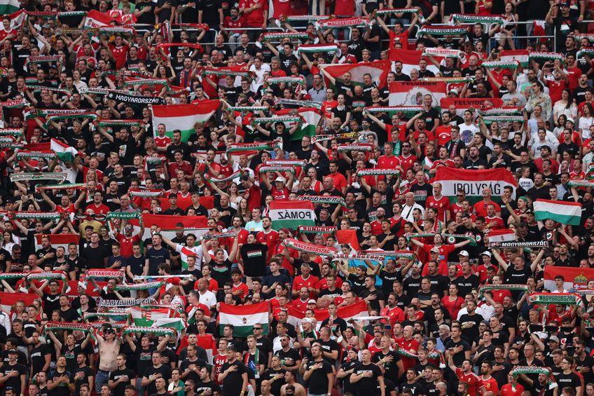 Naționala Ungariei a fost sancționată de UEFA și va juca următoarele 3 meciuri de pe teren propriu fără spectatori, din cauza incidentelor de la Euro 2020, când fanii maghiari au comis derapaje rasiste și homofobe.