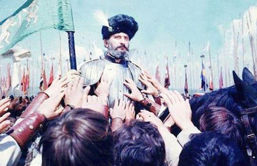"""Captură din filmul """"Mihai Viteazul"""", regizat de Sergiu Nicolaescu, în care rolul domnitorului este interpretat de Amza Pellea // FOTO: voceabasarbiei.net"""