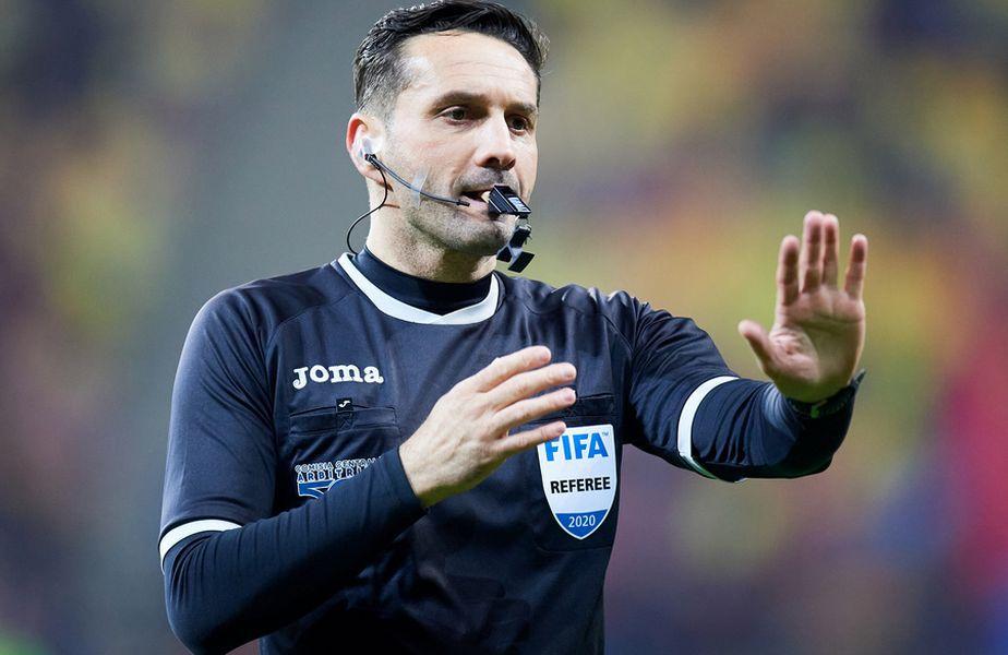"""Sebastian Colțescu a provocat un scandal imens în timpul partidei PSG - Bașakșehir din Liga Campionilor, când i-a spus """"ăla negru"""" lui Pierre Webo, oficial al formației din Turcia"""