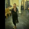 Aza Gabriela, iubita lui Dragoș Nedelcu (FCSB), a postat pe contul de Instagram un videoclip în care cântă alături de manelistul cunoscut sub numele de Tzancă Uraganu.