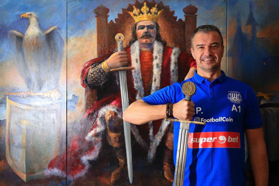 Pancu are acasă, în Iași, o copie a sabiei lui Ștefan cel Mare și o pictură cu domnitorul Moldovei de la mijlocul secolului al XV-lea până la începutul secolului al XVI-lea. Sabia a fost realizată de meșteri de lângă Brașov, pictura a fost comandată în Belgia, unui artist dintr-o localitate aflată la Marea Nordului.