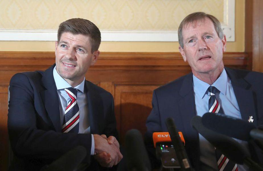 Dave King, în dreapta, alături de Steven Gerrard // FOTO: Guliver/GettyImages