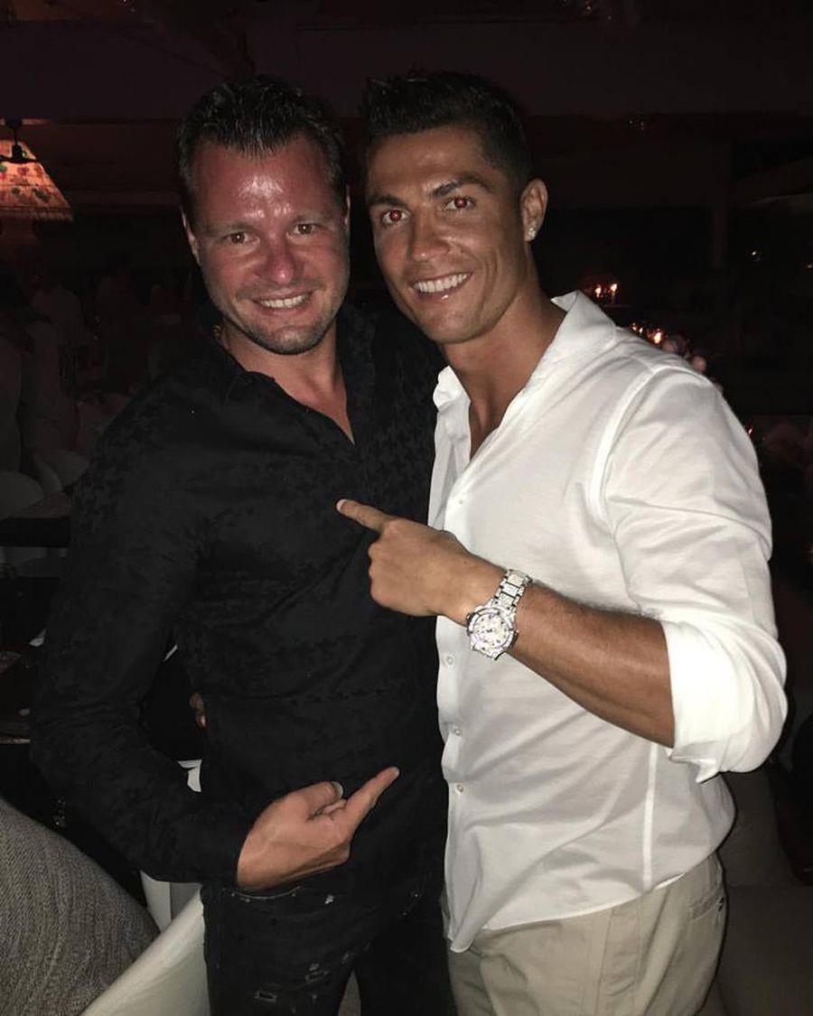 """Cristiano Ronaldo, gest deosebit pentru un fotbalist român: """"S-a ridicat de la masă, m-a luat și m-a pus alături de el. Nu mă așteptam"""""""