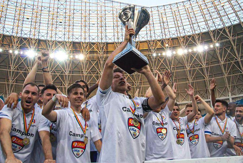 FC U Craiova a câștigat Liga 2 sezonul trecut // foto: Facebook @ Fotbal Club Universitatea 1948