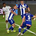 Karim Benzema (dreapta) a marcat în Real Madrid - Alaves 2-0 // foto: Guliver/gettyimages