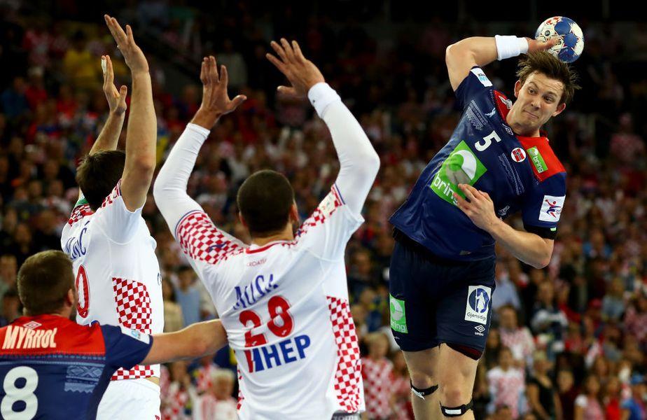 Ediția a 27-a a Campionatului Mondial de handbal masculin debutează azi, în Egipt. Între cele mai bune 32 de echipe din lume nu se află și România, care a ratat din nou calificarea. Egipt-Chile e meciul de deschidere.