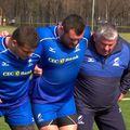 "Massimo Cuttitta, primul din dreapta, pregătindu-i pe ""stejari"" // foto: YouTube @ Rugby Romania"