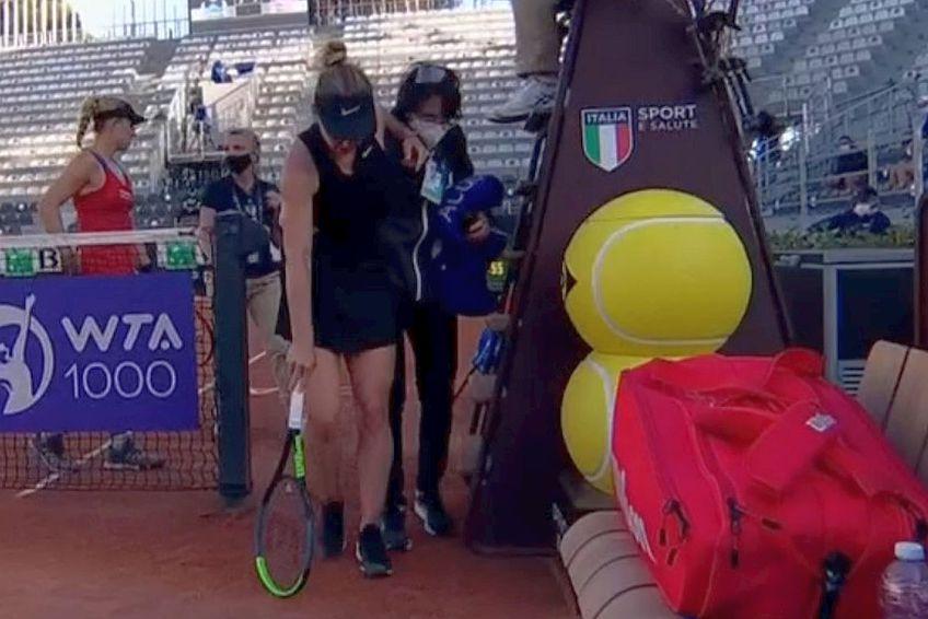 Simona Halep a abandonat în turul II al turneului de la Roma // FOTO: Captură DigiSport 2