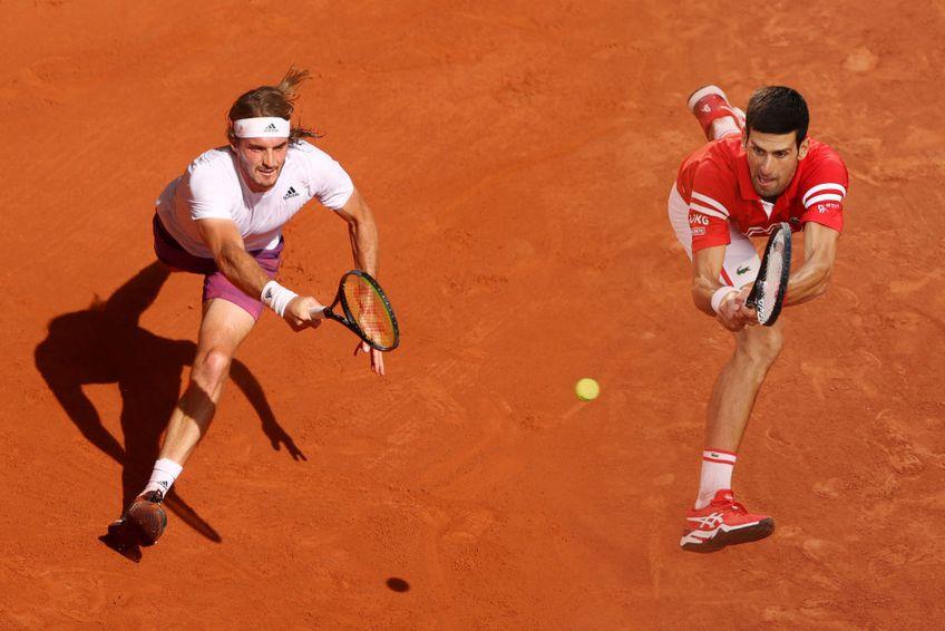 Grecul Stefanos Tsitsipas (22 de ani) ar putea ajunge pe cea mai bună poziție din carieră, locul 3 mondial, dacă se impune în finala Roland Garros, duminică, contra lui Novak Djokovic (34 de ani, 1 ATP).